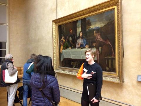 Louvre docent active
